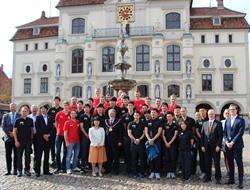 Die Volleyballer der SVG Lüneburg und der Panasonic Panthers sind ab sofort Kooperationspartner. Foto: Hansestadt Lüneburg