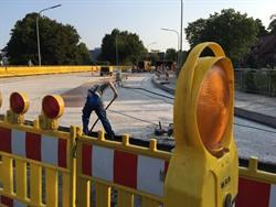 Im Zuge der Fahrbahnsanierungen auf dem Stadtring wurde im Sommer auch die Lösegrabenbrücke umfangreich saniert - beim Öffnen der Brücke waren größere Schäden als zuvor angenommen festgestellt worden. Foto: Hansestadt Lüneburg