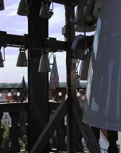 Das Glockenspiel auf dem Lüneburger Rathausturm. Foto: Hansestadt Lüneburg